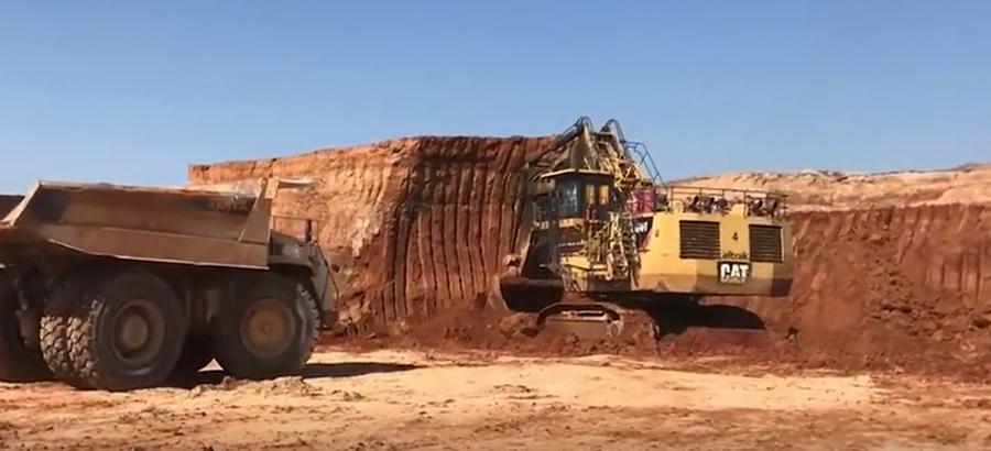 效率超高,大挖斗挖土就是过瘾!