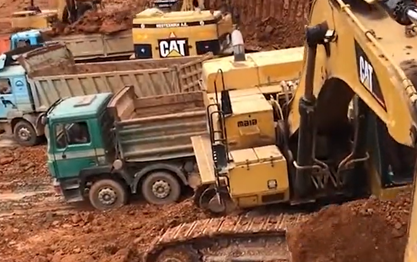世界上最强的挖掘机,一铲子就能够挖8吨物料