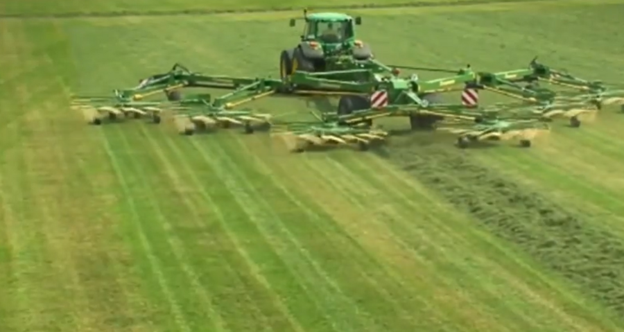 為什么說德國機械牛? 這種牧草收割機在國內沒幾個人見過