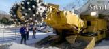 各種無堅不摧的工程機械,遇山開山,沒路就開出一條路