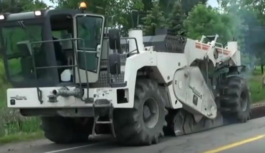 现代化的道路建设机械,惊人的工程机械