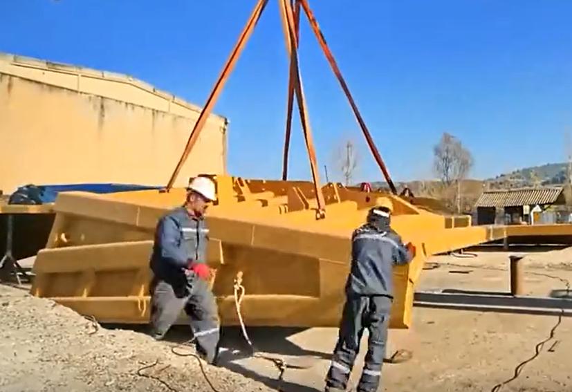 延時拍攝,巨型礦用工程機械組裝過程