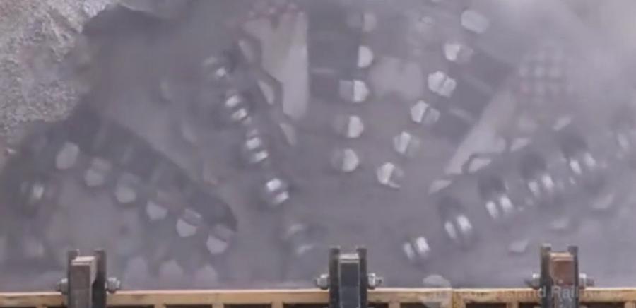 暴力机械美!巨型隧道挖掘机掘进机工程机械!