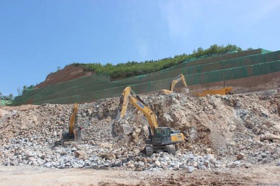 礦山利器 悍將徐工丨有徐工挖掘機在,產量一定能保證!