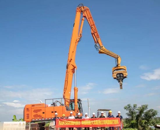 搭載FPT C13發動機,孔山KS600新款高效液壓打樁機上市!