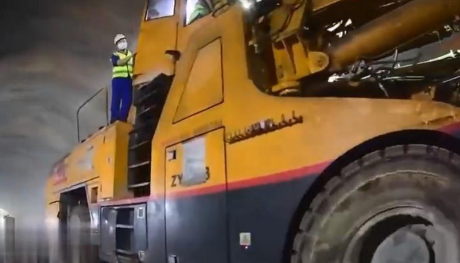 """價值1.4億,115臺工程機械""""豪車""""開挖神農架高鐵隧道"""