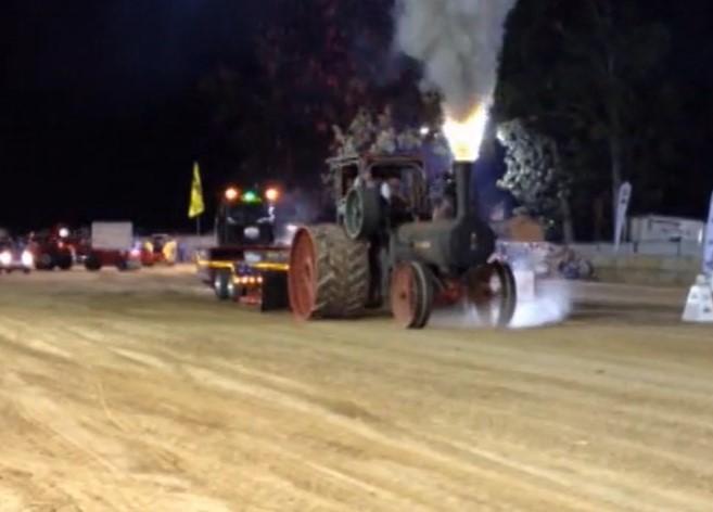 蒸汽發動機拖拉機帶你感受工程機械百年歷史