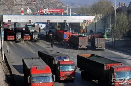 什么樣的半掛車才能滿足煤炭運輸需求?業內人士:裝得上,卸得下