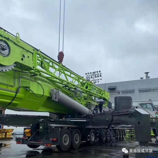 青海首臺中聯ZAT18000H全地面起重機即將落戶振威