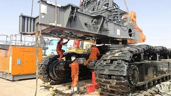 原裝日立360噸級超大型挖掘機成功交付國家能源集團西灣露天礦
