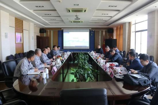 克拉玛依市委常委刘波涛一行到汉马科技集团考察交流
