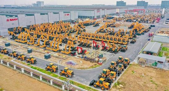 中国挖掘机是怎么卖脱销的?