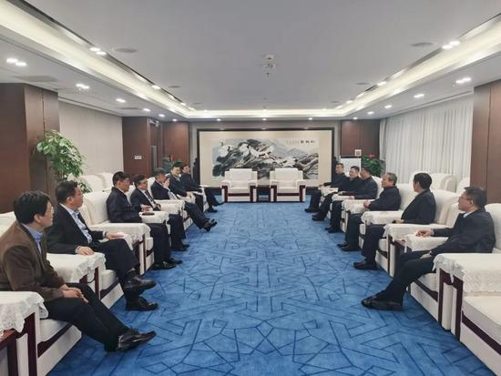 徐工:王民會見北京建工董事長樊軍、北京環衛董事長高蹤陽