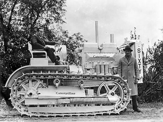 卡特彼勒首款柴油推土機今年90歲啦!