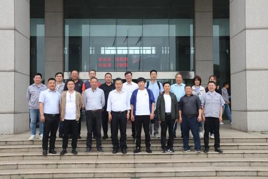 金華渣土行業客戶代表走進漢馬科技 集團黨委書記、總經理劉漢如與客戶一行座談交流