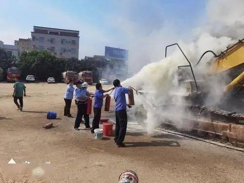 注意防火!石井一挖掘机及餐饮店起火