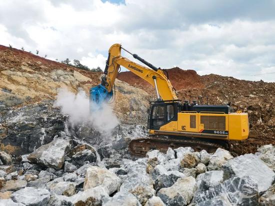 柳工挖掘机:液压油清洁度对设备运行到底有多重要?
