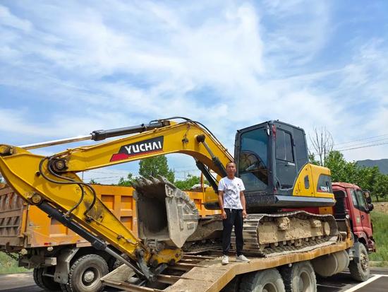 【用戶故事】山西代縣楊老板:玉柴挖掘機伴我一起建設美麗家鄉