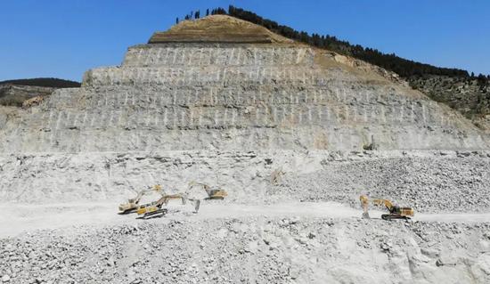 长达20年的信任!山东矿山老板累计购买柳工挖掘机超100台