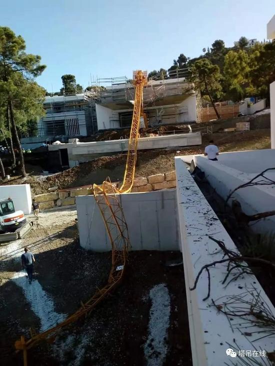 突發!9月2日西班牙龍達一在建工地塔吊發生倒塌事故致1人重傷