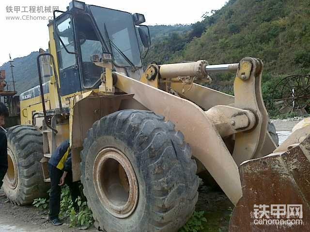 小松380-3这台是进口的吗 还是常林的