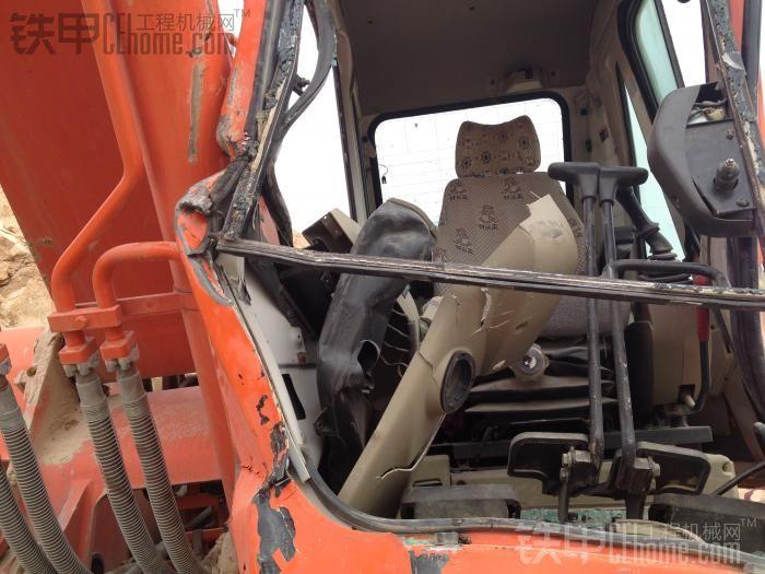 挖掘机砸了