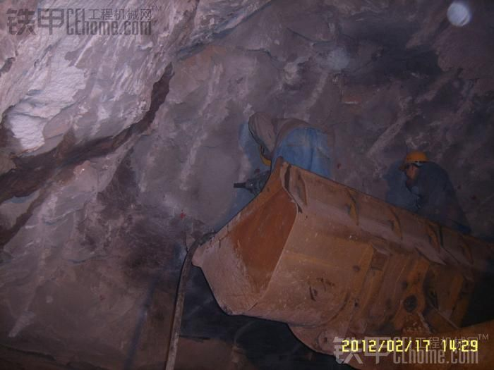 介绍介绍我们的液压劈裂机给大家,矿山隧道应该都有用