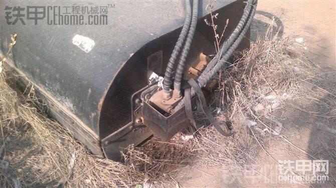凯斯滑移装载机带破碎和清扫器。高手估价。合适就卖-帖子图片