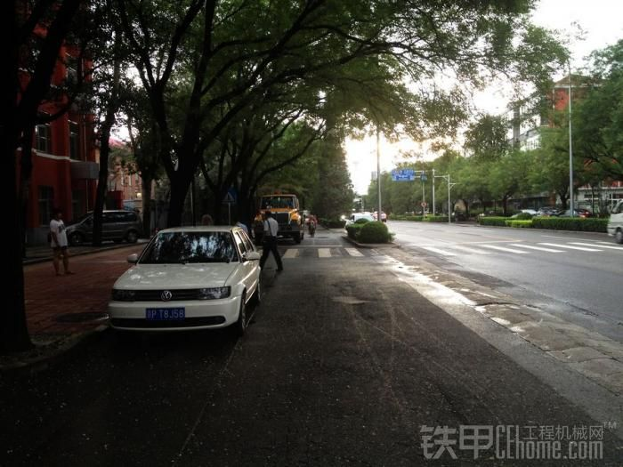北京街头的专业排水车辆