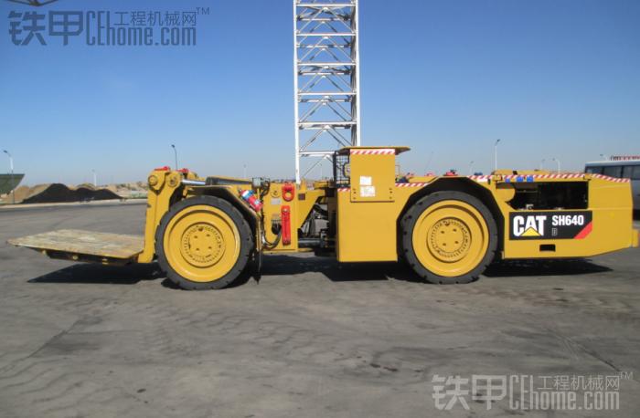 中国第一台卡特煤矿井下支架搬运车