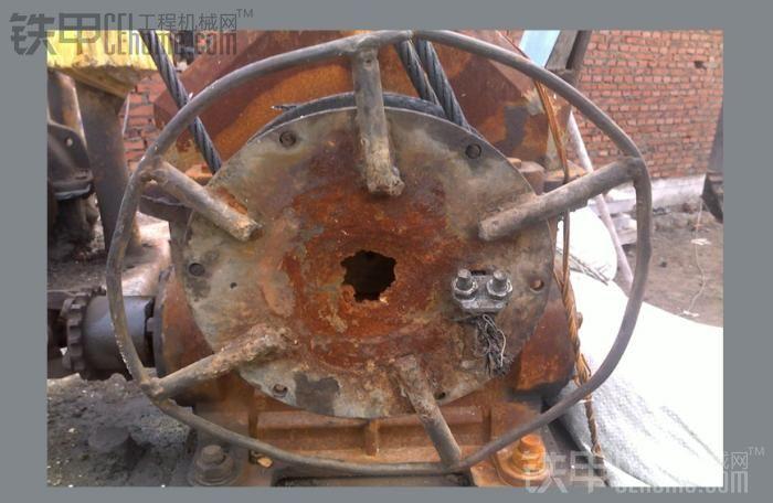 还在服役的古董起重机