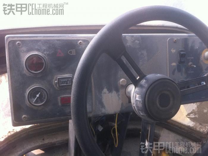 VOLVO SD100 单钢轮