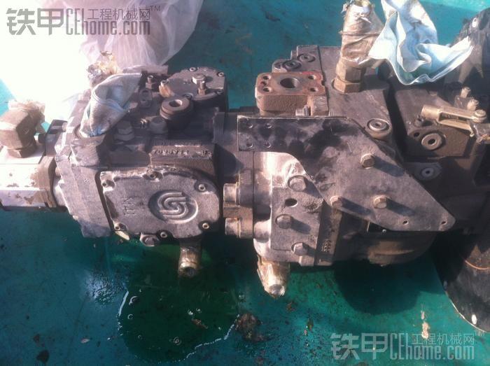 英格索兰SD100 发动机 行走泵 振动泵 转向泵 DD158HF行走马达