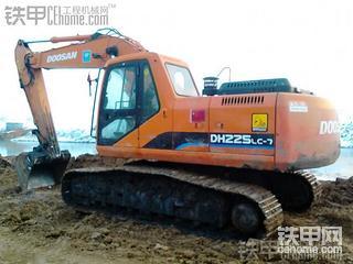 斗山DH225LC—7   11000小时使用报告