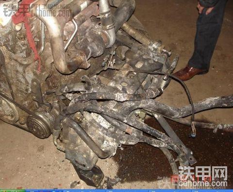 山猫滑移装载机自燃,请各位专家帮忙分析下原因