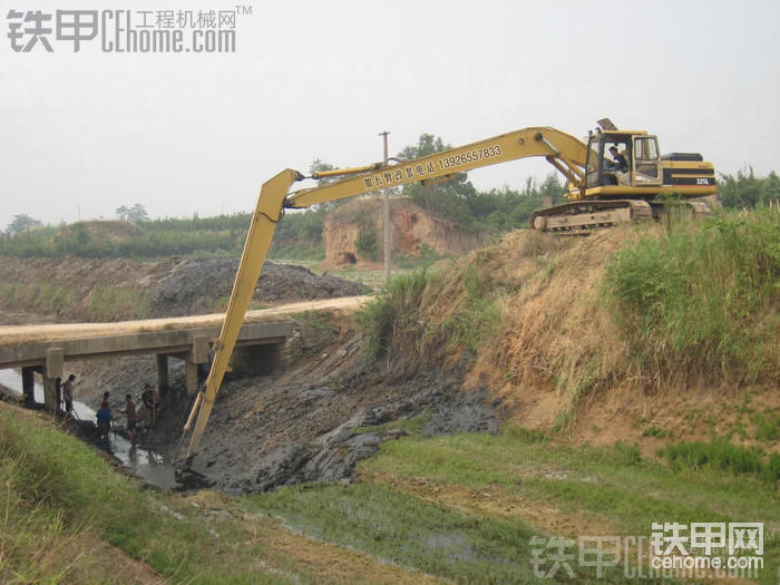 2013年挖掘机加长臂生产厂家全新释义-帖子图片