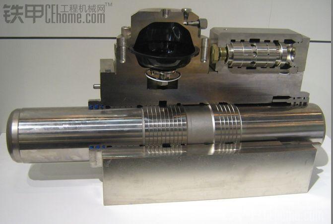 液压破碎锤中缸体剖面图片--换向阀外置图片