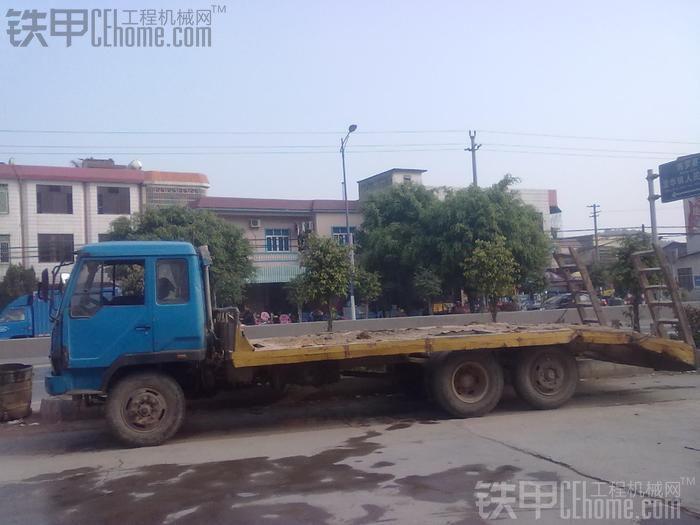 专拖200机的拖车