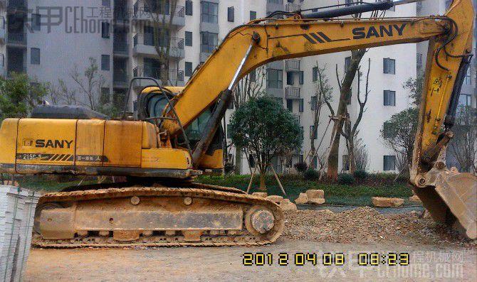 三一挖机215 8图片