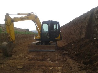 李圆头 挖掘机 找平 挖大棚