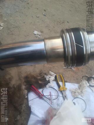 大宇DH55换油缸油封过程分享