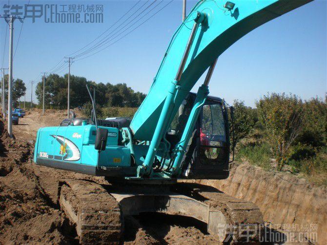 出售2009年神鋼LC350-8挖掘機