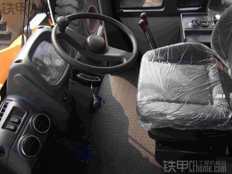 铲车驾驶室功能键图解