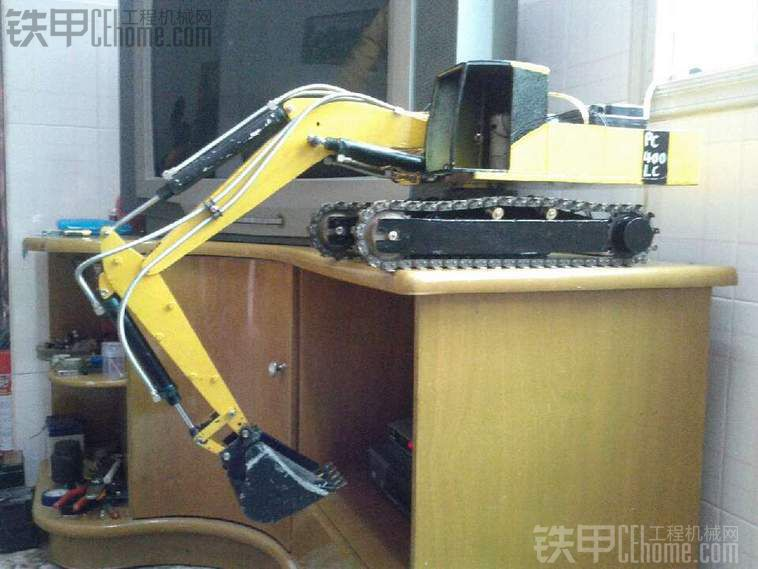 自制电动全钢小松PC400挖掘机模型