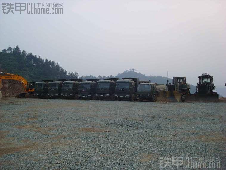 武当山飞机场需求大量挖机