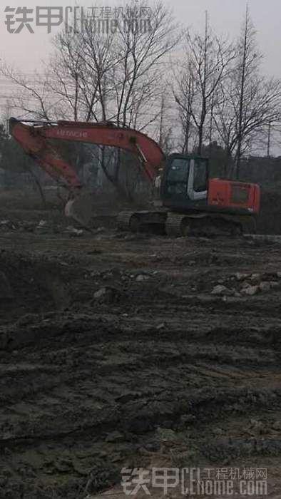 看看挖机下船仓