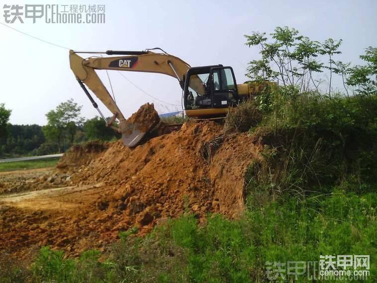 卡特323DL挖掘機-帖子圖片