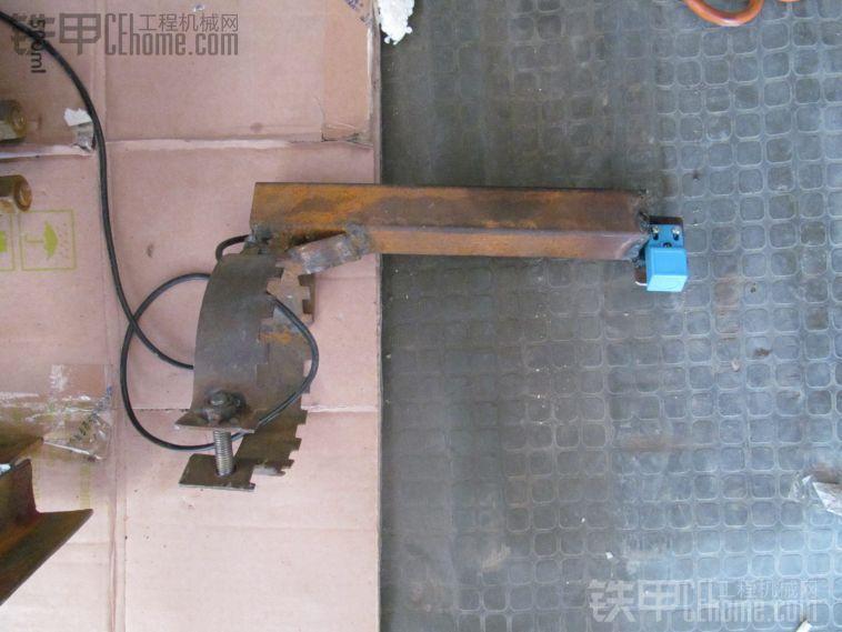 自制适合大部分车型改装的 装载机自动放平辅助系统
