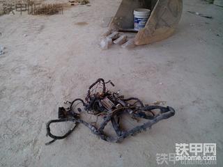 记录小松PC130-7挖掘机两次大修发动机