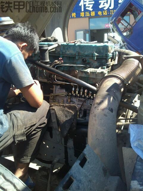 """""""专用车辆秀""""—解放j6牵引车【博世电喷柴油系统改装直喷柴油泵】."""